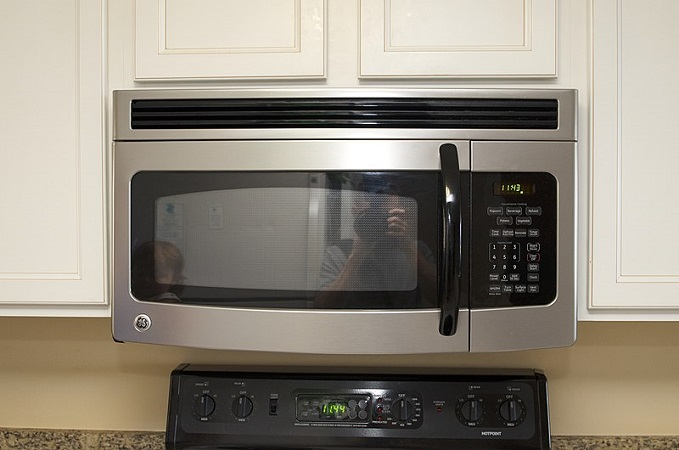 GE Microwave Works but… [Solutions]